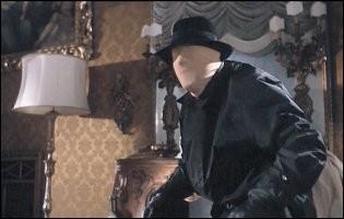 Una sequenza di Sei donne per l'assassino con Goffredo Unger a volto coperto