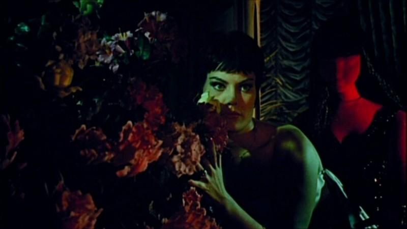 Una scena del film Sei donne per l'assassino, con Claude Dantes