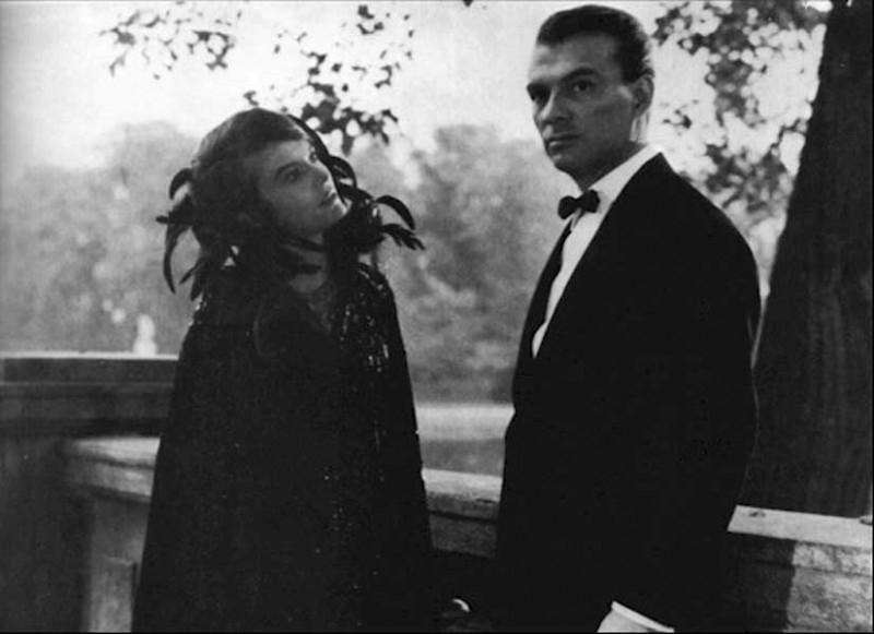 Giorgio Albertazzi e Delphine Seyrig in L'ANNO SCORSO A MARIENBAD