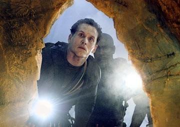 Cole Hauser e Morris Chestnut in una scena di The Cave