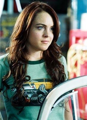 Lindsay Lohan in una scena di Herbie, il supermaggiolino