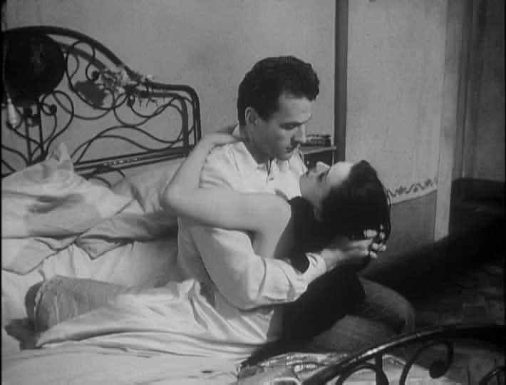 Massimo Girotti e Lucia Bosé in una scena di CRONACA DI UN AMORE