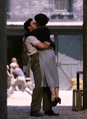 Russell Crowe e Renee Zellweger in una scena di Cinderella Man