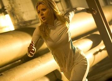 Scarlett Johannsson in una scena di The Island