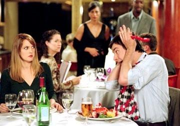 Drew Barrymore e Jimmy Fallon a tavola insieme ne in L'amore in gioco