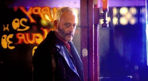 Jean Reno in una sequenza de L'impero dei lupi