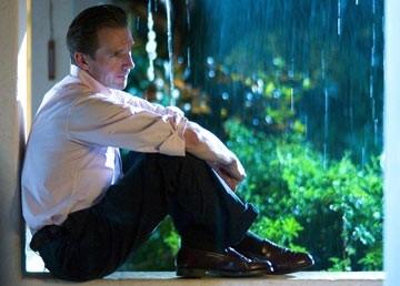Ralph Fiennes in una sequenza di The Constant Gardener