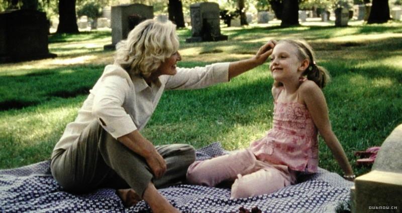 Glenn Close con Dakota Fanning in Nove vite da donna