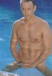 Rocco Siffredi in piscina