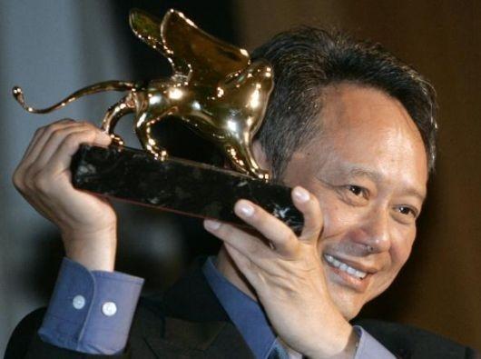 Ang Lee con il Leone d'oro vinto per Brokeback Mountain