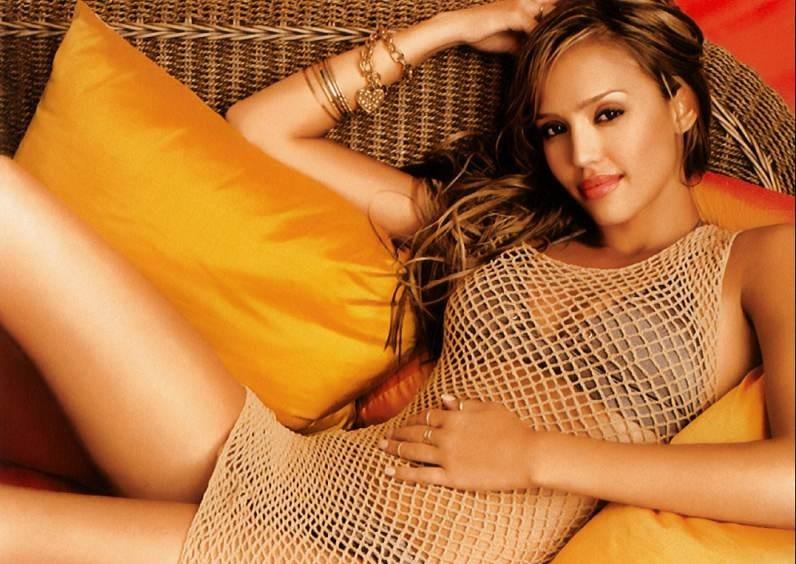 una sexy Jessica Alba