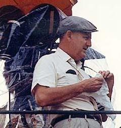 Robert Wise sul set di Two People, in Marocco