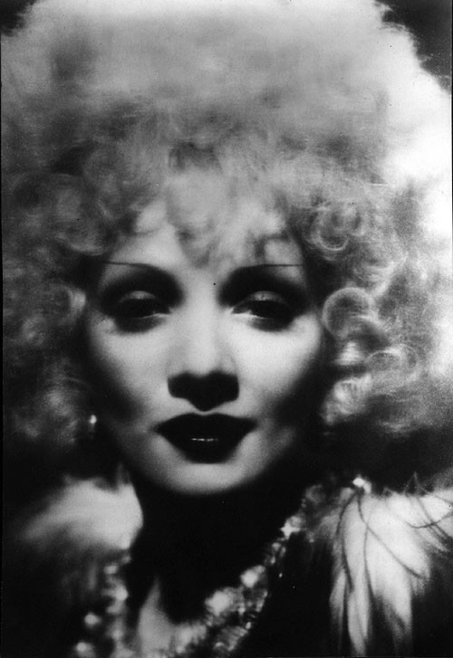 Marlene Dietrich in Venere Bionda