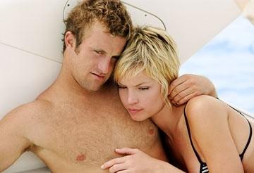 Scott Caan e Ashley Scott in Trappola in fondo al mare