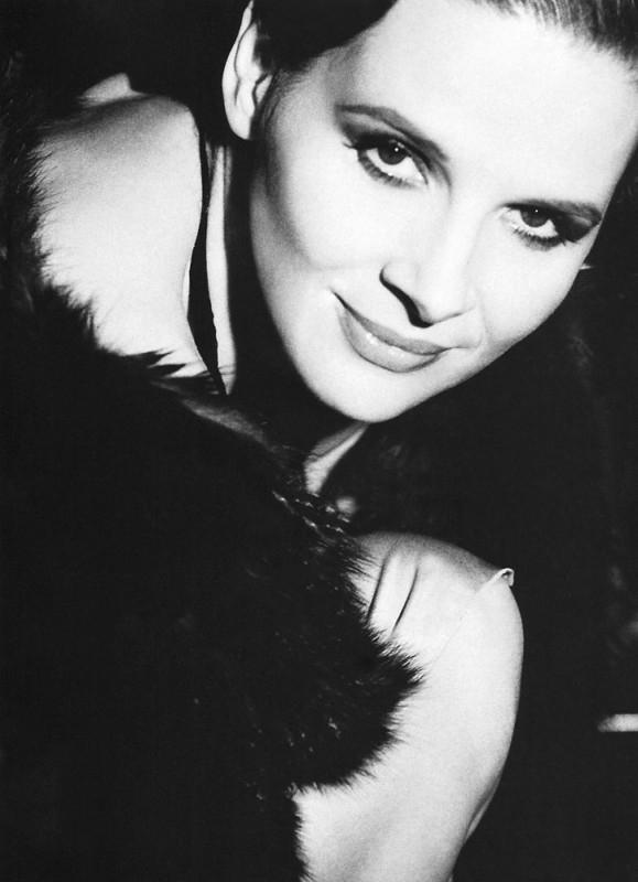 Juliette Binoche in bianco e nero
