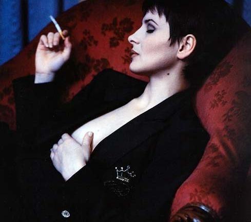 una sensualissima Juliette Binoche