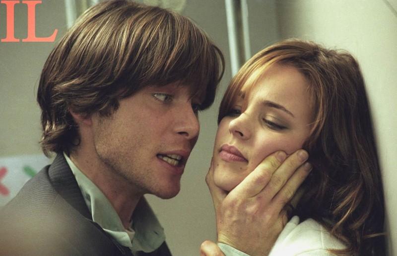 Cillian Murphy e Rachel McAdams in una scena del thriller Red Eye