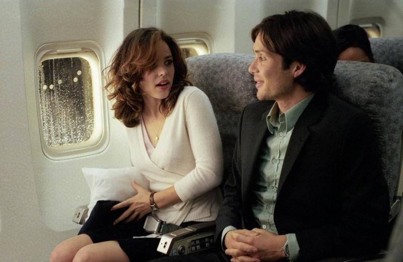 Cillian Murphy con Rachel McAdams in una scena di Red Eye