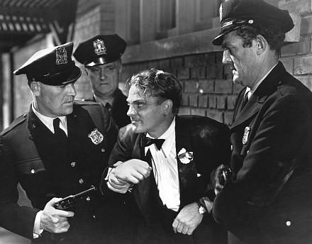 James Cagney in una scena di Nemico Pubblico