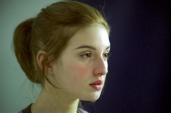 Maria Valverde è Melissa P. nell'adattamento del romanzo scandalo 'Cento colpi di spazzola prima di andare a dormire'