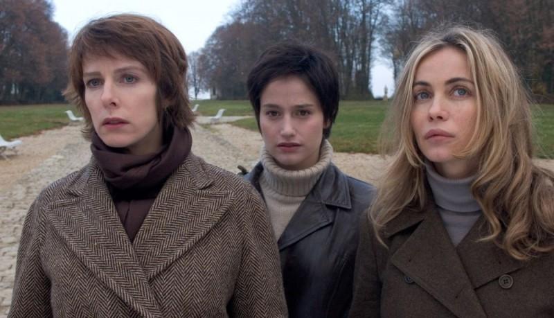 Karin Viard, Marie Gillain e Emmanuelle Bèart in una scena del film L'enfer