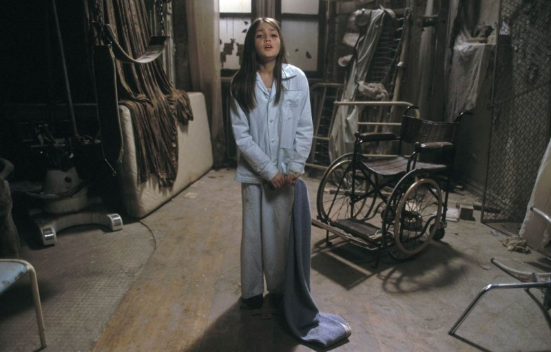Yasmin Murphy in una scena di FRAGILE
