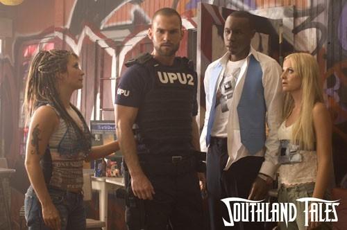 Seann William Scott in una scena del film Southland Tales