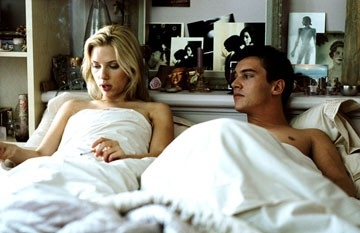Scarlett Johansson con Jonathan Rhys-Meyers in Match Point