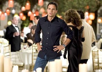 Mark Ruffalo nella commedia Vizi di famiglia - Rumor Has It