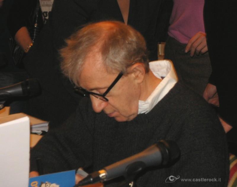 21.12.05 Woody Allen alla conferenza stampa per Match Point, a Roma