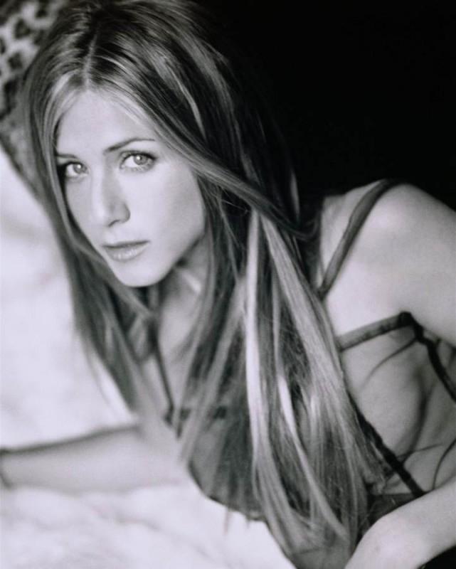 Jennifer Aniston in bianco e nero