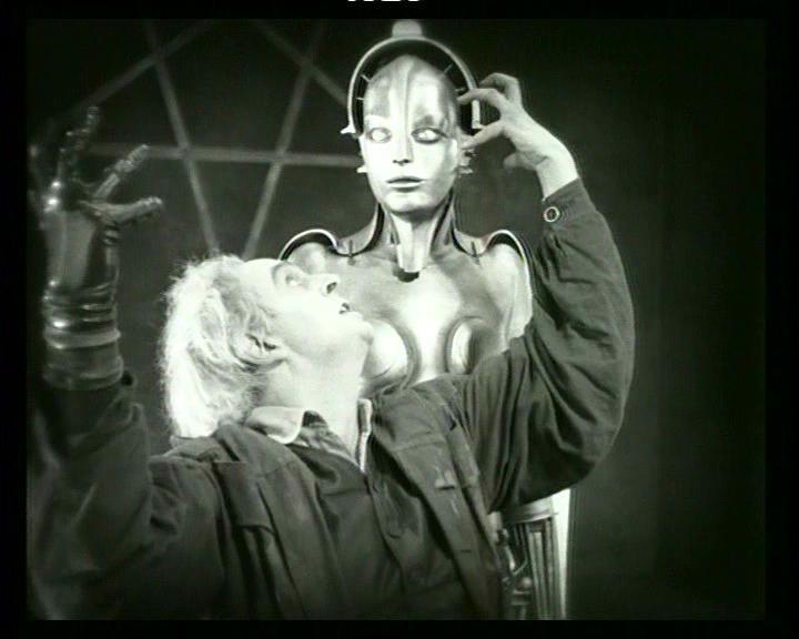 Rudolph Klein-Rogge e l'Essere-Macchina in una scena di METROPOLIS