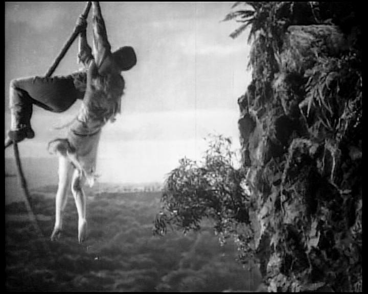 Bruce Cabot e Fay Wray in una scena di KING KONG
