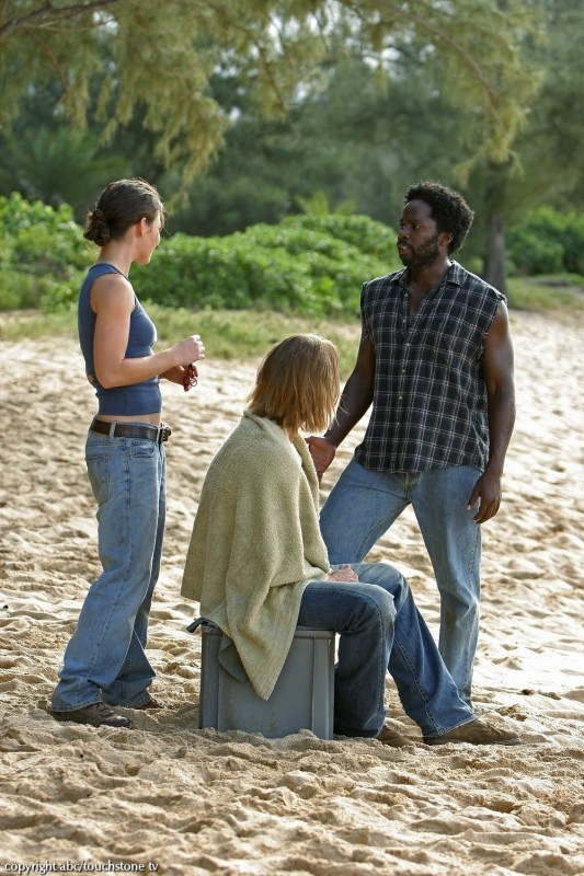 Evangeline Lilly,  Harold Perrineau e Josh Holloway in una scena dell'episodio 10 della seconda stagione di Lost