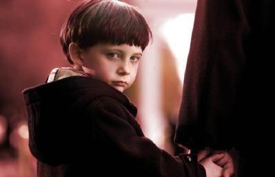 Il piccolo Seamus Davey-Fitzpatrick è il diabolico Damien Thorn in The Omen 666