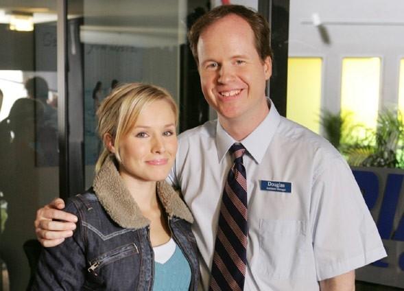 Kristen Bell e Joss Whedon sul set di Veronica Mars