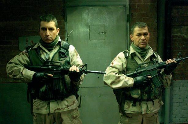 Riccardo Leto e Mauro Stante in una scena di Saddam