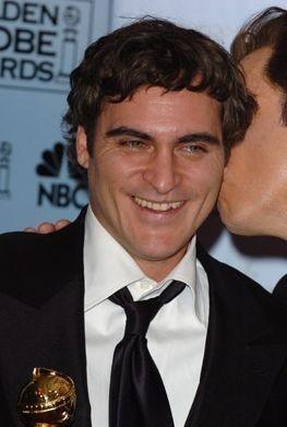 Joaquin Phoenix con il suo Golden Globe