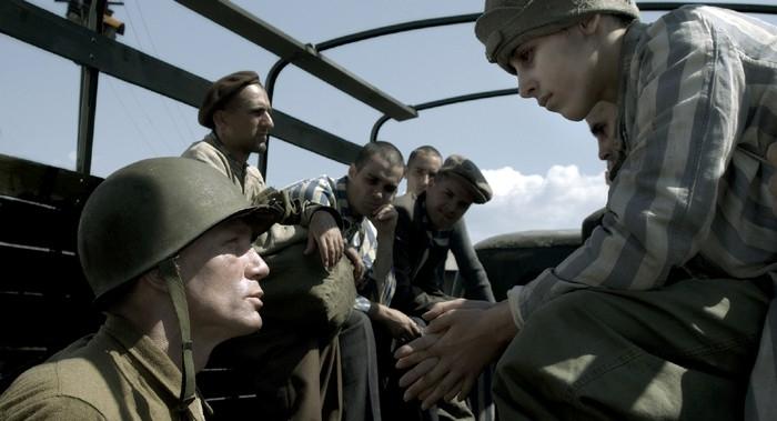 Marcell Nagy e Daniel Craig in Senza Destino