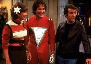 Robin Williams ed Henry Winkler in una scena di Happy Days
