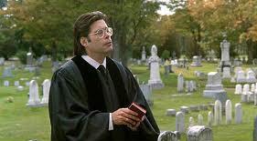 Stephen King in una scena di Pet Sematary