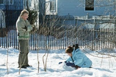 Alan Rickman e Sigourney Weaver in una scena di Snow Cake