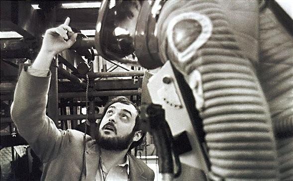Stanley Kubrick dà indicazioni sul set di 2001: Odissea nello spazio