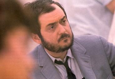 Il regista Stanley Kubrick sul set di 2001: Odissea nello spazio