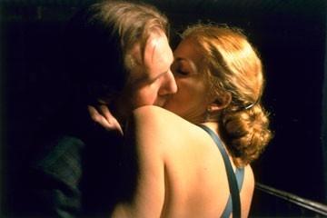 Ralph Fiennes e Natasha Richardson in La contessa bianca
