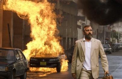 Clooney in una scena del film Syriana