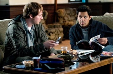 Derek Richardson e Jay Hernandez in Hostel