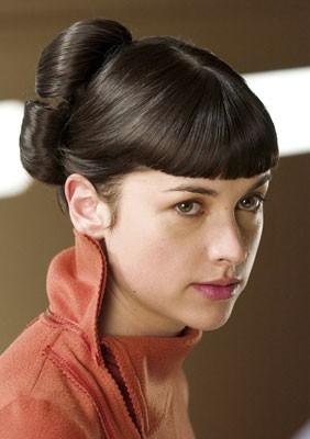Amelia Warner in una scena del film Aeon Flux