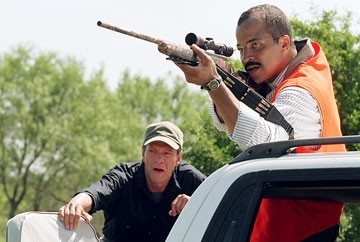 Chris Cooper e Jeffrey Wright in Syriana