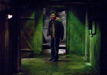 Jay Hernandez in Hostel